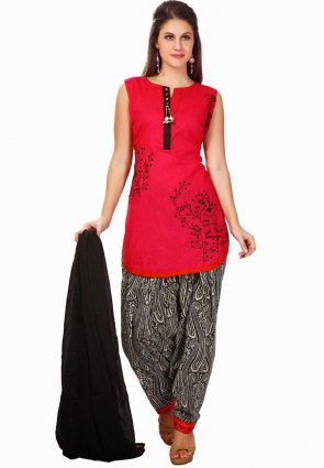 Diffusion Enigmatic Red Salwar Kameez